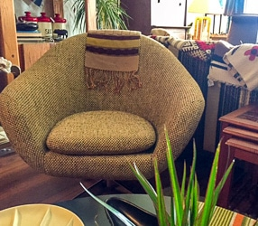 southside-vintage-brown-chair-250
